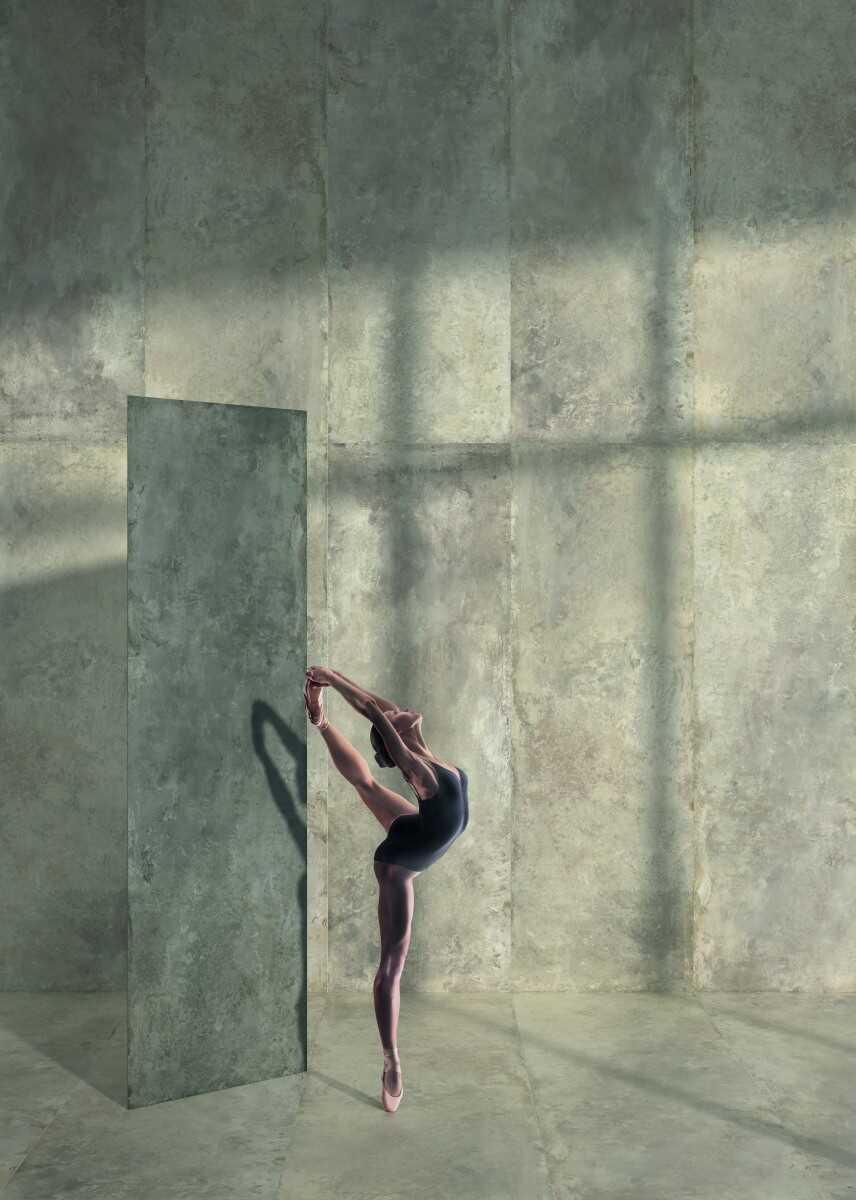 1101 foto bailarina 2b coverlam tempo antracita 2bsmoke web
